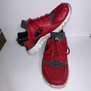 NIKE HUARACHE 2012 RED/BLACK LEATHER SNEAKERS 10